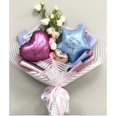 Букет из цветов и шаров